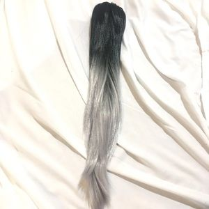 """Accessories - Ombré Black To Silver Hair Clip 22"""""""